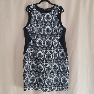 Size 2X slimming damask pattern dress